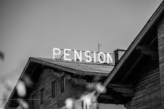 Oud verlaten hotel in Oostenrijk/Duitsland royalty-vrije stock foto