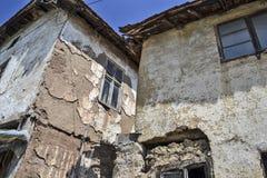 Oud verlaten huis Stock Foto's
