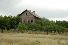 Oud verlaten huis Stock Afbeelding