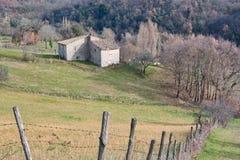 Oud verlaten huis in het platteland Sabina Stock Afbeelding