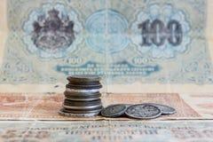 Oud verliep muntstukken en bankbiljetten De muntstukken van de USSR en zilveren muntstukken Stock Afbeelding