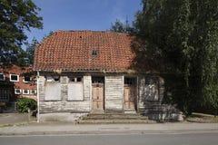 Oud veroordeeld blokhuis royalty-vrije stock afbeelding