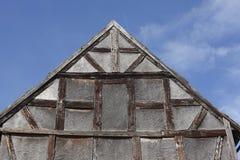Oud veroordeeld blokhuis stock afbeelding