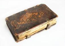Oud versleten boek met leerdekking stock afbeeldingen