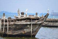 Oud visserijschip Royalty-vrije Stock Afbeeldingen