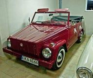 Oud Volkswagen in een automuseum Stock Foto's