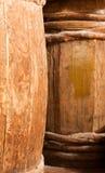 Oud volledig houten vat Stock Afbeelding