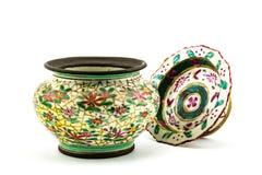 Oud vuil Chinees bloemenpatroon die ceramische kom schilderen Royalty-vrije Stock Foto's