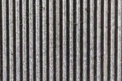 Oud vuil van het zinkomheining en spinneweb Licht op linkerzijde Royalty-vrije Stock Afbeeldingen