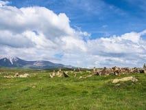 Oud Waarnemingscentrum van Zorats Karer, Karahunj, Beroemde Armeense Stonhenge in Sisian, Armenië 29 stock afbeelding