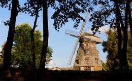 Oud windmolenlandschap royalty-vrije stock afbeeldingen