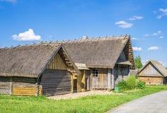 Oud Witrussisch blokhuis stock fotografie