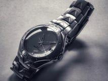 Oud zwart-wit horloge royalty-vrije stock foto's