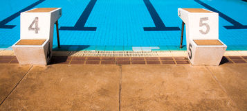 Oud zwembad Royalty-vrije Stock Afbeeldingen