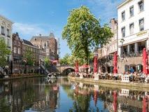 Oudaen城堡和Oudegracht运河在乌得勒支,荷兰 库存图片