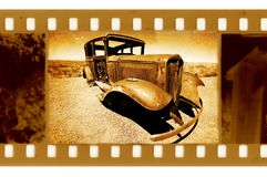 Oude 35mm frame foto met de auto van de Doorwaadbare plaats Stock Foto