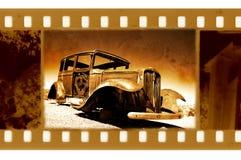 Oude 35mm frame foto met retro auto van de Doorwaadbare plaats Stock Afbeelding