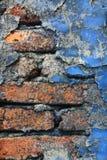 Oude Afbrokkelende Bakstenen muurachtergrond Stock Afbeeldingen