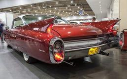 Oude Amerikaanse auto op statische vertoning stock afbeeldingen