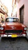 Oude Amerikaanse auto. Rode Chevrolet. Stock Afbeeldingen