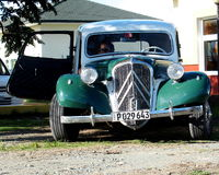Oude Amerikaanse auto's in Cuba Stock Afbeelding