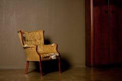 Oude antieke stoel Royalty-vrije Stock Foto's