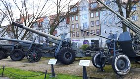 Oude Artillerie en anti-lucht torentjes/kanonnen royalty-vrije stock fotografie