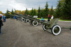 Oude artilleriekanonnen Geschiedenistentoonstelling Stock Foto's