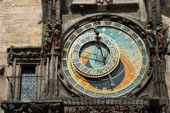 Oude astronomische klok in Praag Stock Foto's
