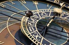 Oude astronomische klok in Praag (orloj) Stock Afbeeldingen