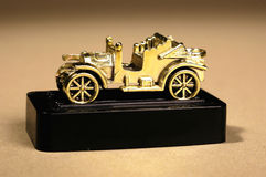 Oude auto Royalty-vrije Stock Afbeeldingen