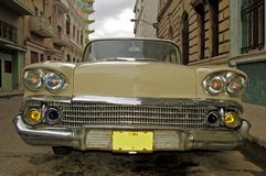 Oude auto in Cuba Stock Afbeeldingen