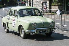 Oude auto in het Mille Miglia-ras Royalty-vrije Stock Foto
