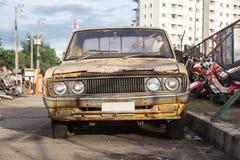 Oude auto's voor schroot. Royalty-vrije Stock Afbeeldingen
