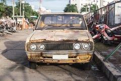 Oude auto's voor schroot. Stock Fotografie