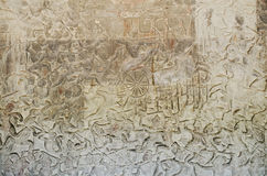 Oude Aziatische steen gesneden cijfers in angkor wat tempel Kambodja Stock Fotografie