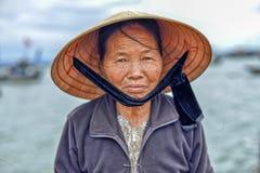 Oude Aziatische Vrouw Stock Afbeeldingen