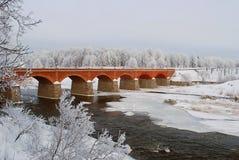 Oude baksteenbrug Royalty-vrije Stock Afbeeldingen