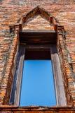 Oude bakstenen muur blauwe hemel Stock Foto's