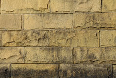 Oude bakstenen muur in een achtergrond Royalty-vrije Stock Foto