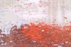 Oude bakstenen muur geschilderde halve achtergrond Stock Afbeeldingen