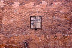 Oude bakstenen muur, venster Stock Foto
