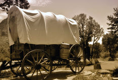 Oude behandelde wagen royalty-vrije stock afbeeldingen