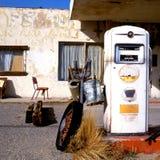 Oude benzinepomp bij Route 66 Royalty-vrije Stock Foto's