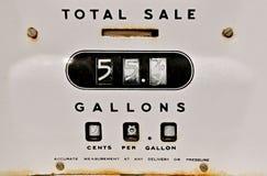Oude benzinepompmeter Royalty-vrije Stock Foto