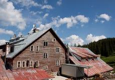 Oude bergcabine Stock Foto's