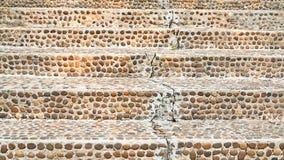 Oude beschadigde steentrap Stock Afbeelding