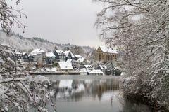 Oude Beyenburg in de sneeuw, Wuppertal stock fotografie