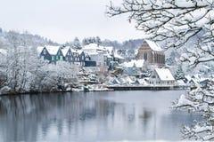 Oude Beyenburg in de sneeuw, Wuppertal royalty-vrije stock foto's