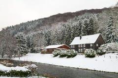 Oude Beyenburg in de sneeuw, Wuppertal stock foto's
